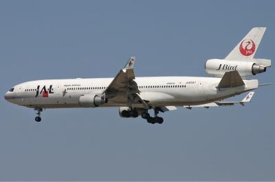 Japan_Airlines_McDonnell_Douglas_MD-11_Monty.jpg