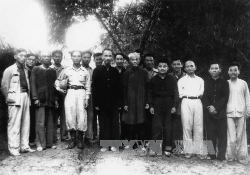 vo-nguyen-giap-phong-tuong-6901-1381069163